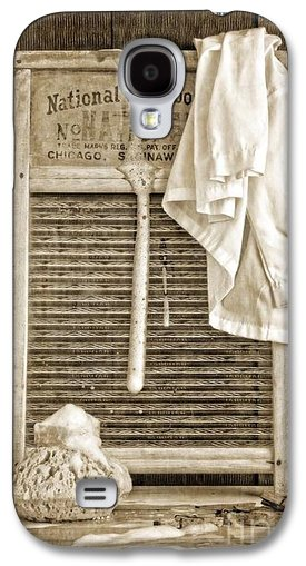 Vintage Laundry Room Cell Phone Case